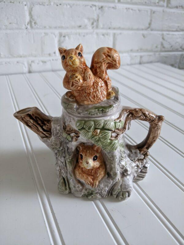 """Vintage CBIC LTD 1992 Squirrel 5.5"""" Teapot Cook"""