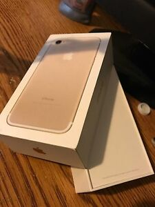 *•Trade•* My IPhone 7 for a 7 Plus *Read Description*