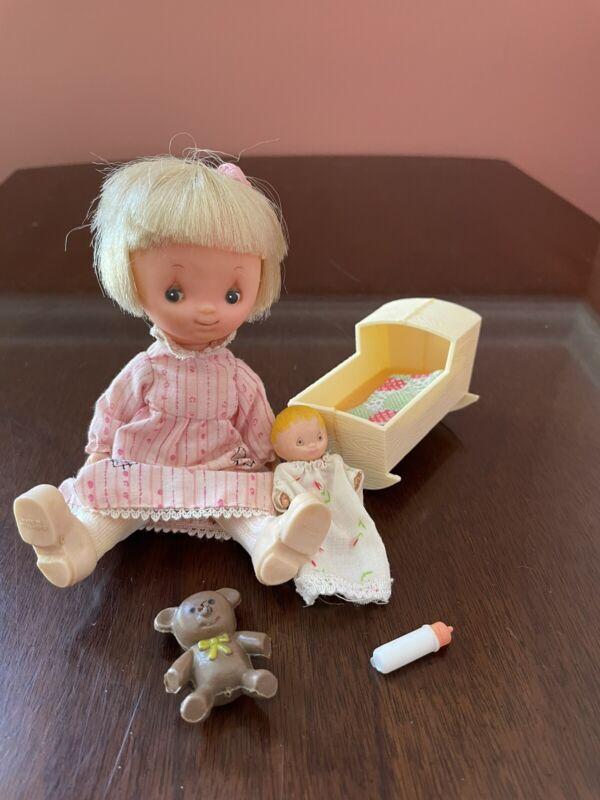 Vintage Knickerbocker / Hallmark Betsey Clark Doll And Playset