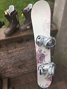Snowboard, planche a neige, bottes, boots