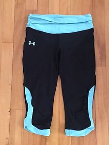 Under Armour women's small heat gear capris - like new