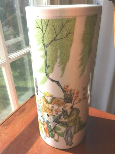 Vintage Chinese Signed Hand Painted Scenic Hat Stand Vase