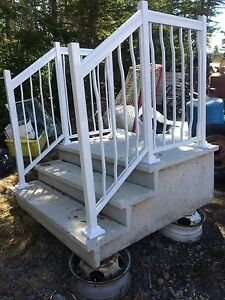 BEAUTIFUL CONCRETE ENTRY STEPS WITH ALUMINUM RAILS BRAND NEW