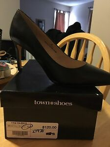 High heels Womens size 7.5 brand new