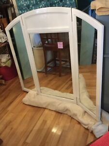 Assorted mirrors-