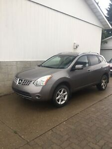 2008 Nissan Rogue $1,950 (Needs transmission seal)
