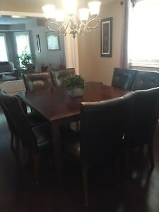 SQUARE DINING TABLE WITH 6 CHAIRS . $575