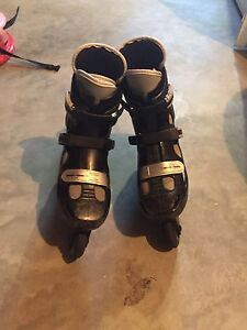 Bauer Rollerblades Size 9 plus Carrying Case