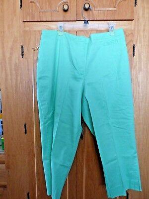 JH COLLECTIBLES green cotton/spandex stretch capris/cropped pants-16W-NWT-$44