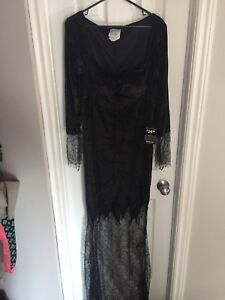 Adult Witch Halloween Costume for sale size M