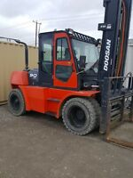 2011 Doosan D80S-5 15,000 lb forklift Sea C Can lift Calgary Alberta Preview