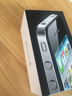 iPhone 4-8GB with box