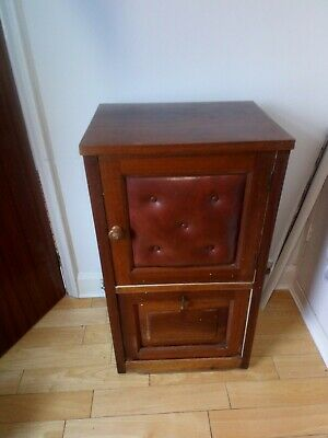 Interesting Vintage Cabinet Shopfitting?
