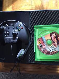 $325  in time for Xmas. Xbox 1 Call of duty GTA 5  Kingston Kingston Area image 2