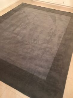 Rug brand new and unused from Pottery Barn