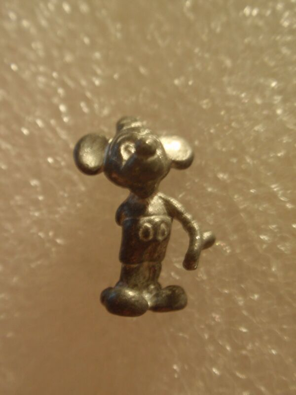 VINTAGE DISNEY MICKEY MOUSE WITH ONE HAND BEHIND HIS BACK PENDENT CHARM RARE!