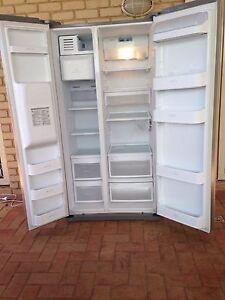 LG double door Fridge Freezer with water & ice dispenser Halls Head Mandurah Area Preview