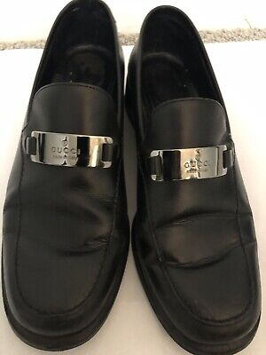 Classic Vintage Black Leather ladies Gucci Loafers with Gucci nameplate sz 38 C