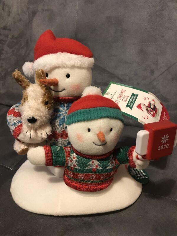 Hallmark 2020  Cozy Christmas Selfie Snowman plush NEW with Tags