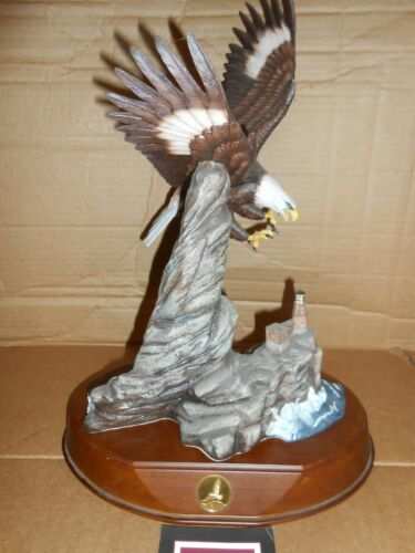 franklin mint american bald eagle porcelain sculpture figurine majestic hunter