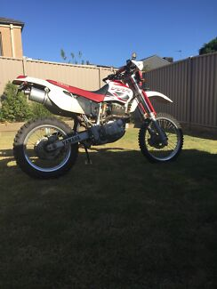 Yamaha tt600r 2001