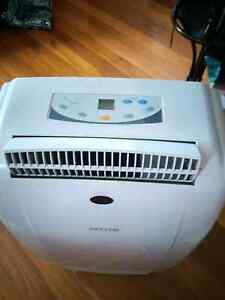 AIRCONDITIONER HELLER BRAND Maidstone Maribyrnong Area Preview
