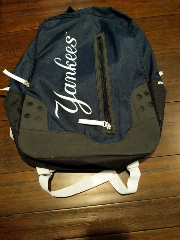 NY Yankees Oakley Factory Pilot Bag Backpack Season Ticket Exclusive New wo Tags