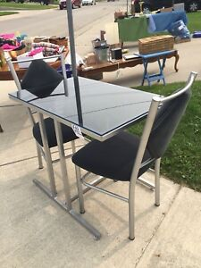 Apartment size Dining set table and 2 chairs