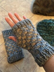Hats, mitts And scarves
