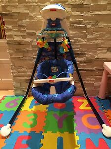 Aquarium Cradle Swing from Fisher Price  West Island Greater Montréal image 2