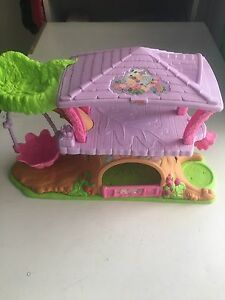 Fisher price little people tree house Merrimac Gold Coast City Preview