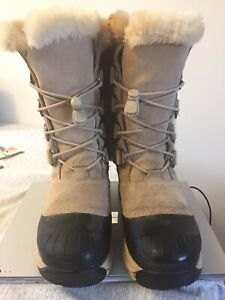 Woman's Size 7 Baffin Winter Boots