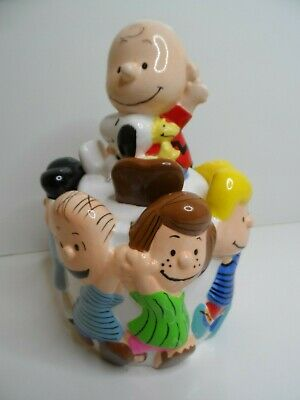 Peanuts and Gang Charlie Brown Snoopy Ceramic Cookie Jar Collectors Edition