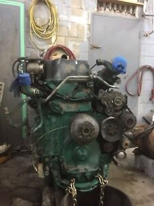 D12 Motor  435 HP with 13 speed transmission