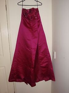 Formal Gown Size 14 Maroon Strapless Ocean Grove Outer Geelong Preview