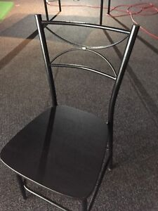 Tables/chairs