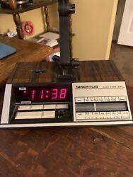 Vintage Spartus Desk Lamp with AM/FM Radio digital Alarm Clock #0130  Hong Kong