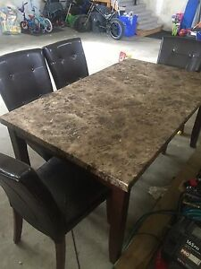 Dinning table need gone asap!