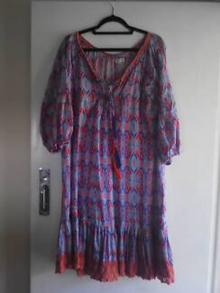 Naudic brand dress Size M
