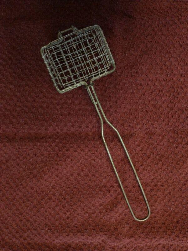 Antique Primitive Farmhouse Metal Wire Mesh Soap Saver Basket Holder