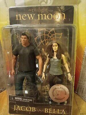 NECA Twilight New Moon Jacob & Bella Exclusive Action Figure 2-Pack