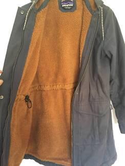 W's Patagonia Jacket - Insulated Prairie Dawn Parka. Size S.