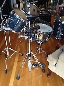 5 Piece Pearl Export drum kit with  hardware St. John's Newfoundland image 2