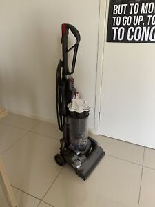 Dyson DC 33 Upright Vacuum Cleaner