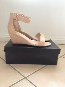 Tres Jolie nude womens shoe size 10 Wamberal Gosford Area Preview