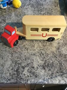 Melissa and Doug wooden horse trailer toy