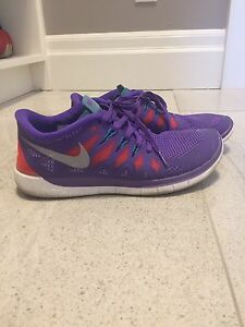 Nike shoes size 7y or 8 ladies