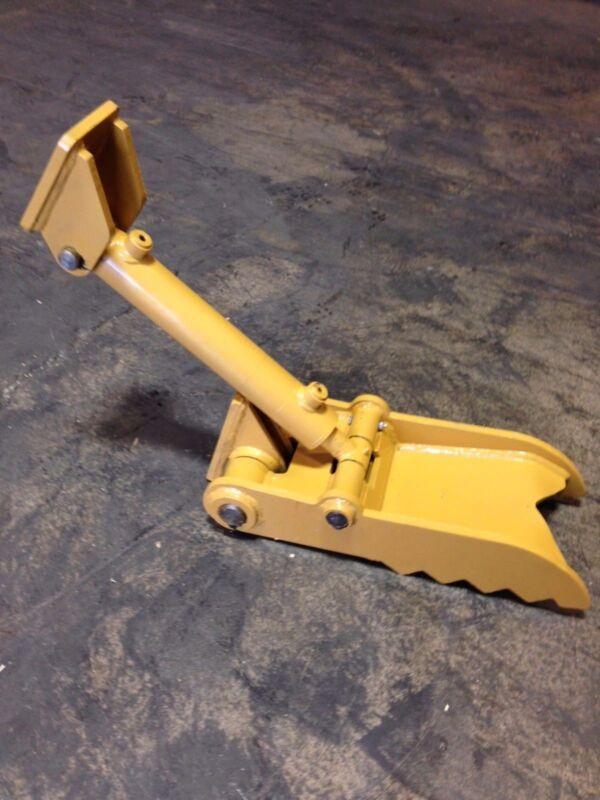 "New 8"" x 20"" Heavy Duty Hydraulic Thumb for Mini-Excavators"