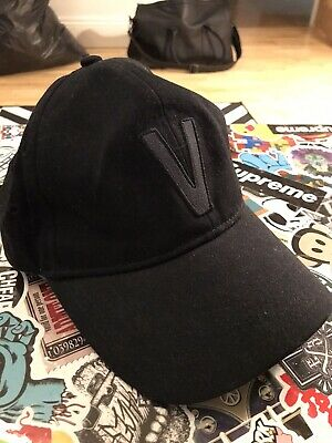 VANS V SNAPBACK HAT CAP BLACK ( ONE SIZE)