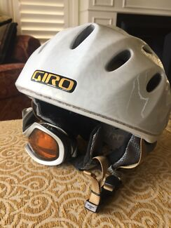 Ladies Giro Ski Helmet